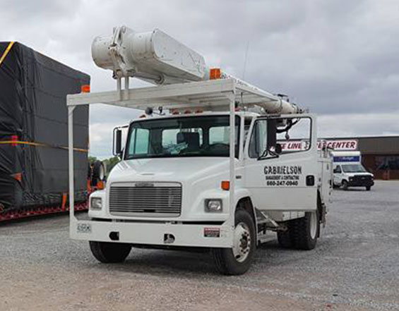 Bucket Truck Escorts - What We Do